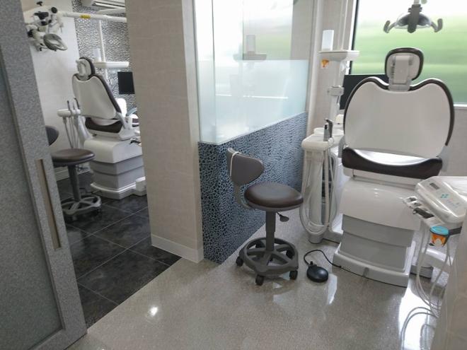 おがた歯科の個室の写真